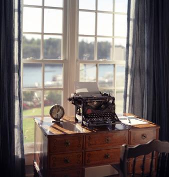 Klassiskt skrivbord i engelsk stil