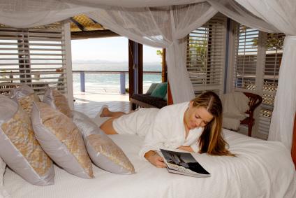 Bekväm säng med havsutsikt